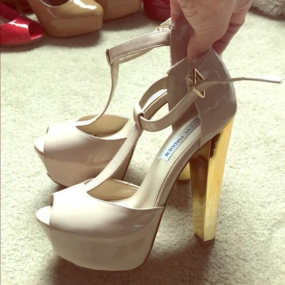 025afed6766 Steve Madden Dyvine nude gold platform heels. M 5a9c29513b16082e55a0eb53